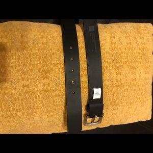 GAP Accessories - GAP Black Leather Belt (Men's Size 38)